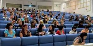 trường làm bằng đại học Effat University