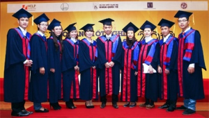 kỷ niệm 10 năm thành lập trường đại học QG TPHCM